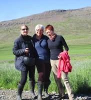 Mit einem Schnuppertag fing es an und nun reiten wir in Island. ( In der Mitte ich mit dem Schnupperfrauen Elke (li) und Margarete (re)